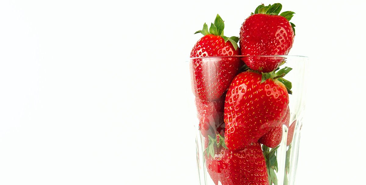strawberry-glass-1329009